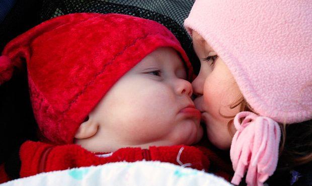چرا ما عاشق بوسیدن هستیم؟!